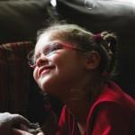 Una niña acaba de morir porque su medicina no es legal