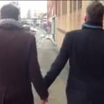 Dos chicos hetero aprenden (duramente) sobre la homofobia